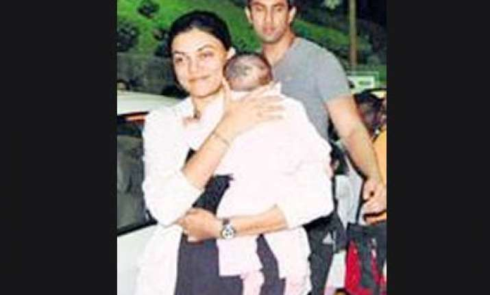 sushmita spotted with adopted baby