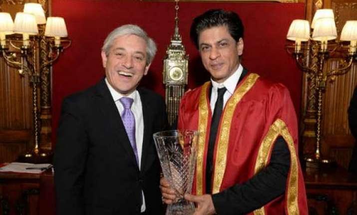 shah rukh khan honoured with britain s global diversity