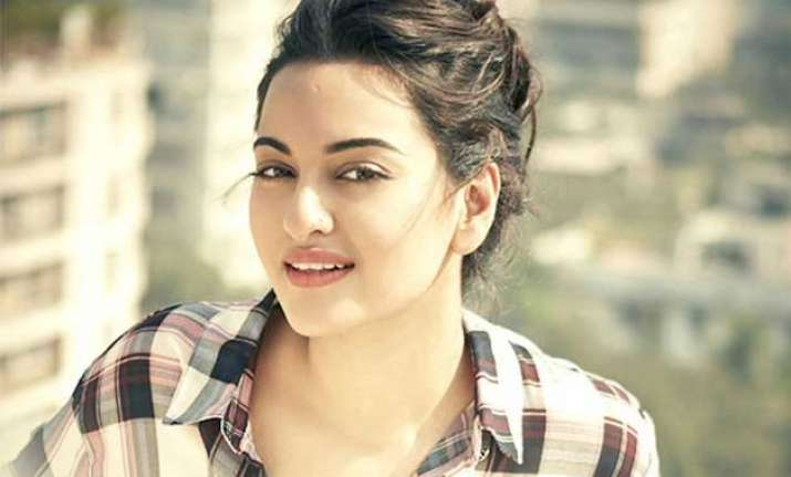 sonakshi sinha hopes to win filmfare award for best actress