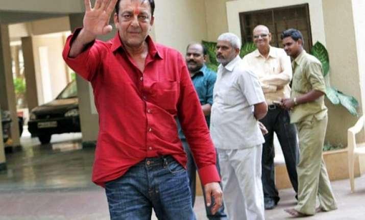 sanjay dutt returns home on furlough has lost 18 kg in jail