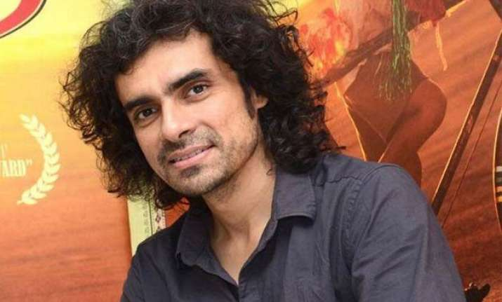 imtiaz ali backs re opening of dance bars in mumbai