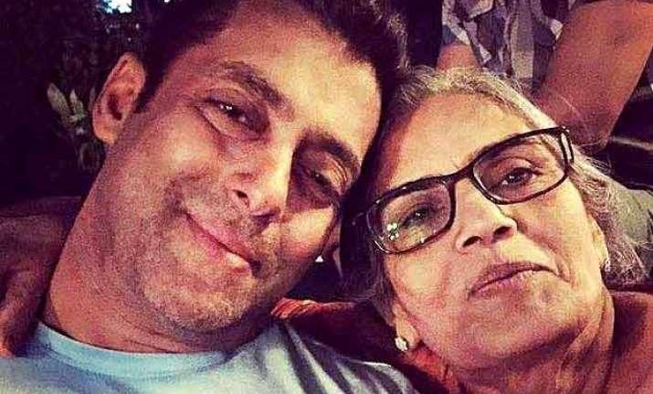 salman khan emotional pics with mother salma khan