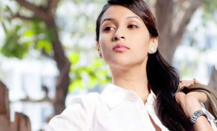 mannara recalls her holi days with cousins priyanka and