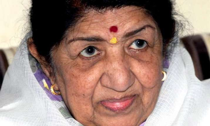 unknown facts about lata mangeshkar when the singer was