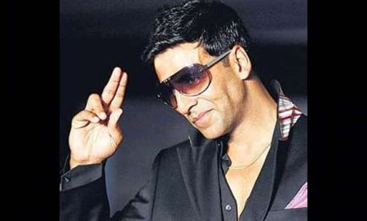 akshay should get national award says dimple
