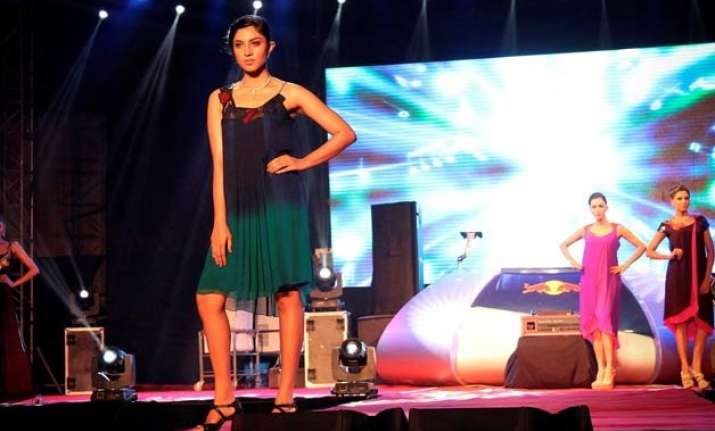 bollywood music not a hit on indian fashion runways