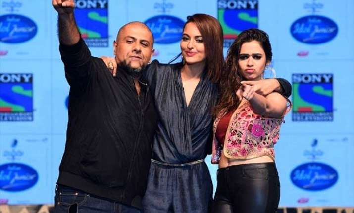sonakshi sinha makes small screen debut launches indian