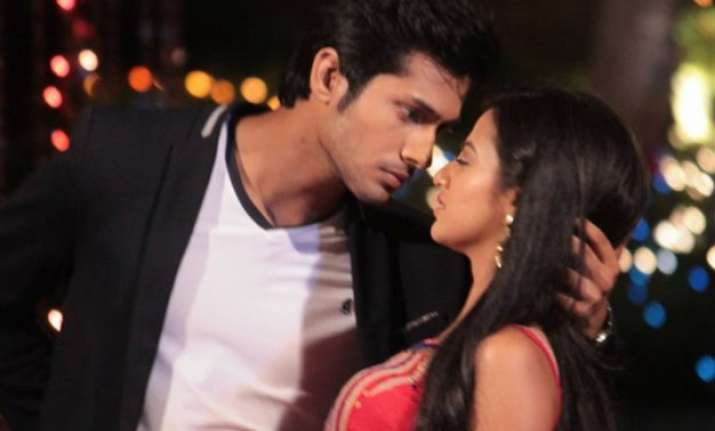swaragini swara and lakshya to get intimate