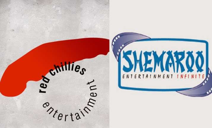 shahrukh khan s red chillies entertainment joins hands with