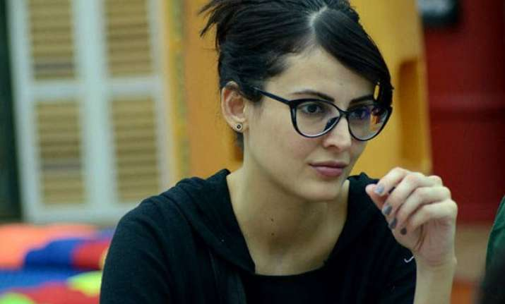 mandana karimi slams bigg boss 9 for being unfair and unkind