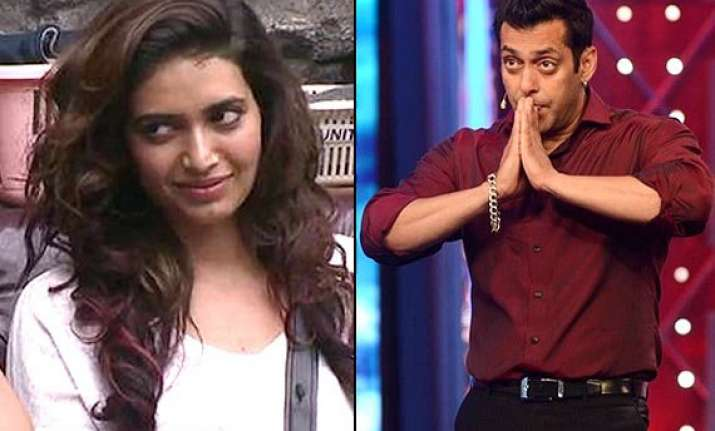 bigg boss 8 weekend ka vaar salman grills karishma the most