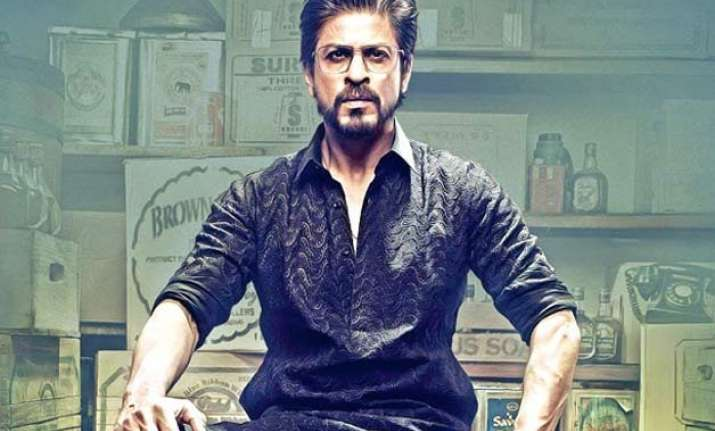 ooppss shah rukh khan lands up in a legal trouble for raees