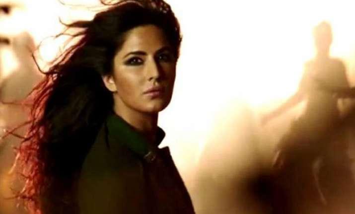 katrina kaif looks hot in new song from phantom