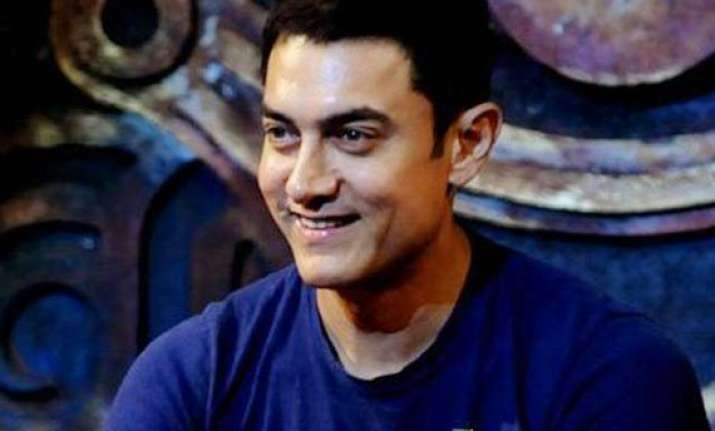 aamir khan pledges to help the injured on roads