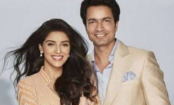asin ties the knot with micromax co founder rahul sharma in
