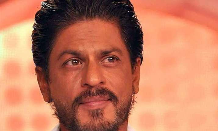 shah rukh khan wishes hny to deliver happiness this diwali