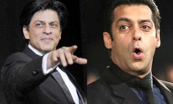 Shah Rukh Demands Return Gift From Salman Khan After His