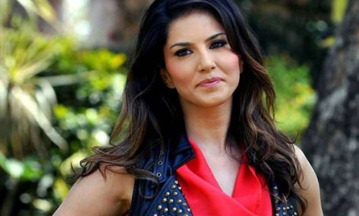 sunny leone turns badass for her debut on dubsmash