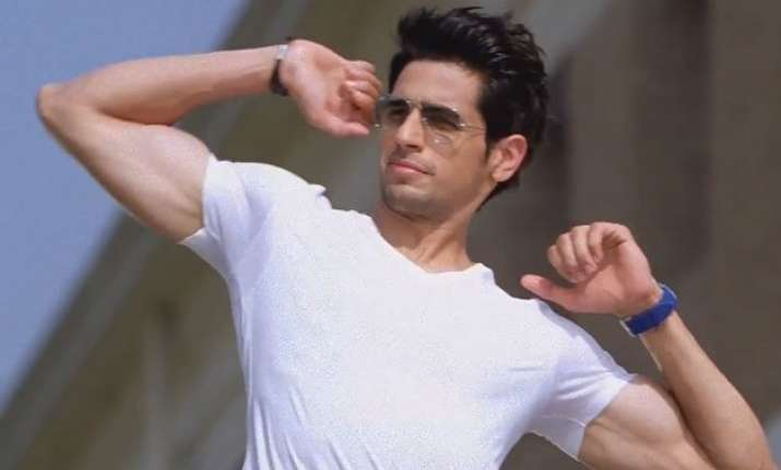 sidharth malhotra goes jetboating with fleming doull styris