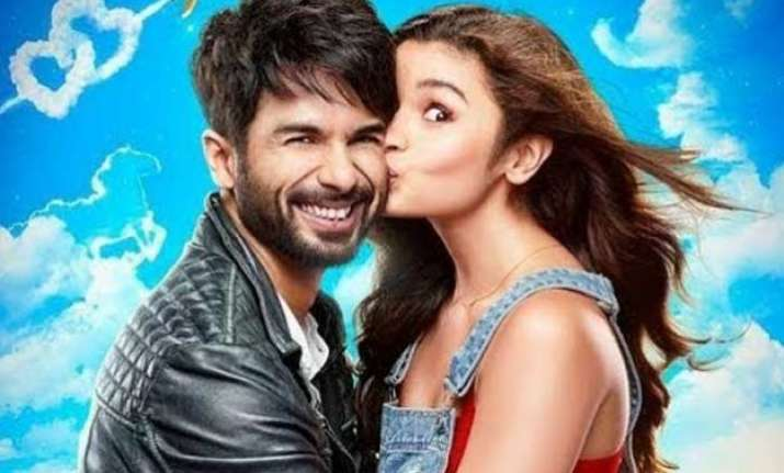 shahid in shaandaar mood after 7 mn twitter followers