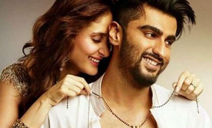 watch epic role reversal not kareena but arjun kapoor wears
