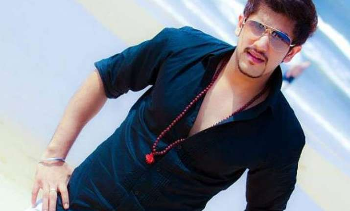 bigg boss 9 contestant suyyash rai from raunchy splitsvilla