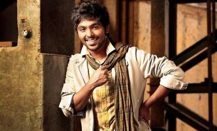 g.v. prakash has underplayed in darling sam anton