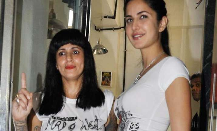 ace hair stylist sapna bhavnani calls katrina kaif racist