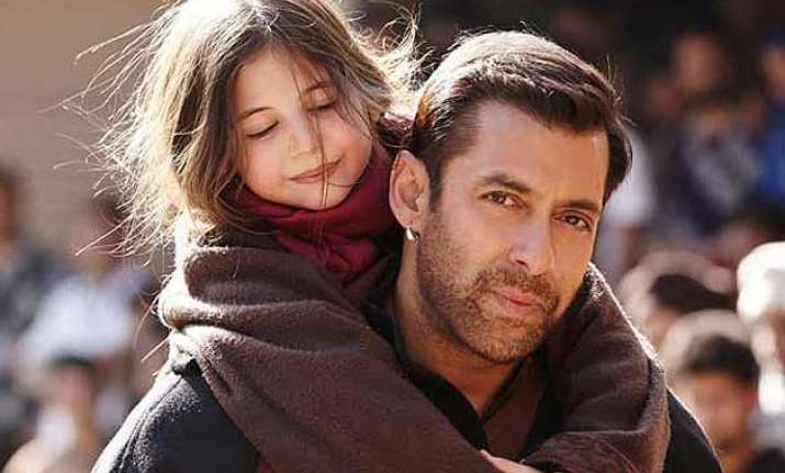 for salman khan little girl harshali steals the show in