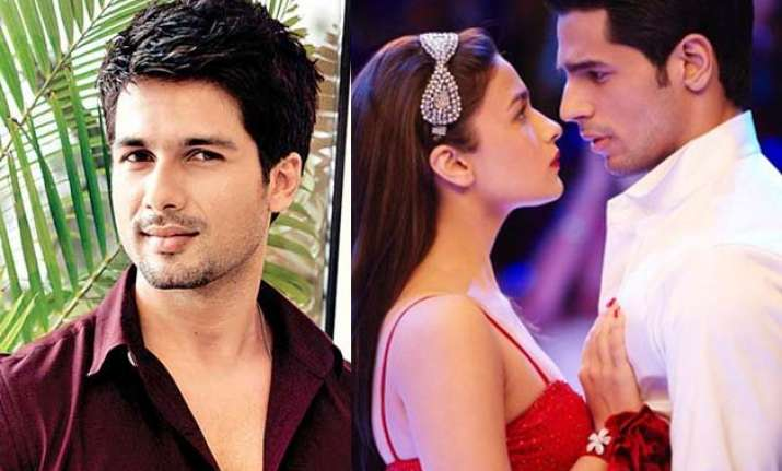 is shahid playing the villain in alia sidharth s love story