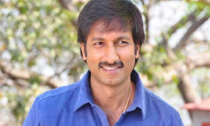 telugu actor gopichand skips shooting to look after
