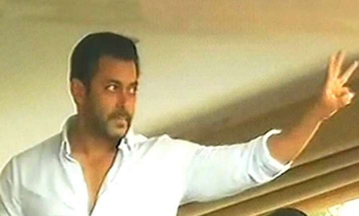 salman alludes to jai ho dialogue to thank his fans