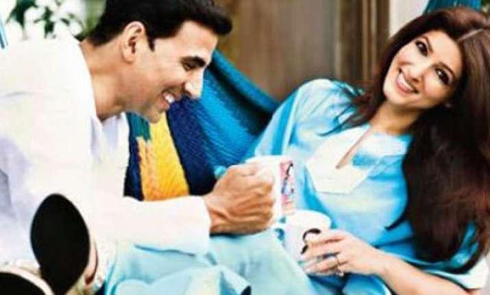 twinkle needs to be controlled says husband akshay kumar