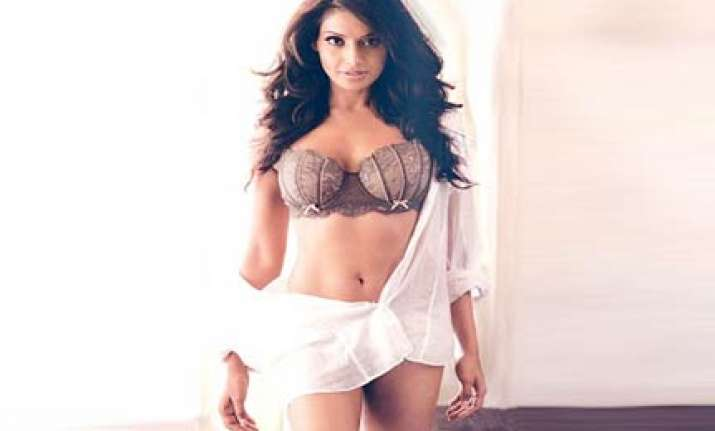 bipasha in a bikini again in priyadarshan s film