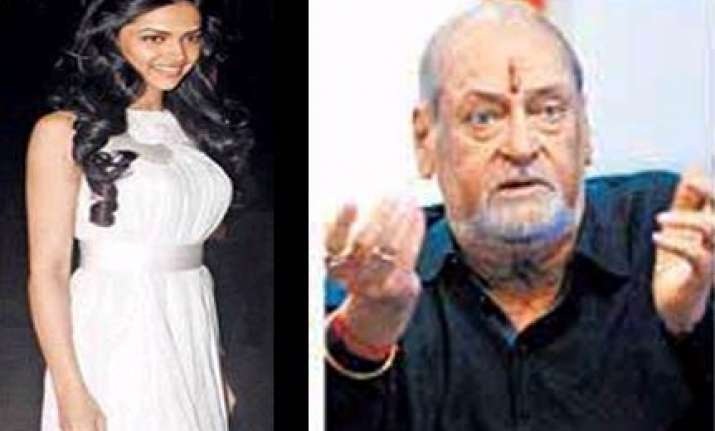 shammi kapoor asks deepika out for coffee via twitter