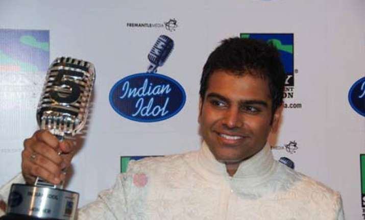 hyderabad s sreeram wins indian idol 5