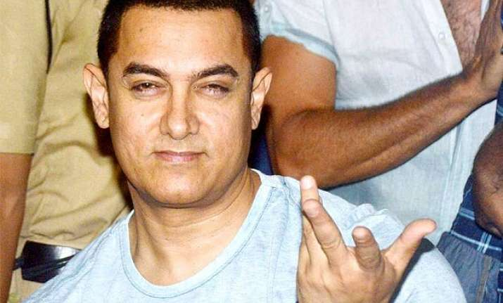 aamir khan thanks ex wife reena for bearing him at his