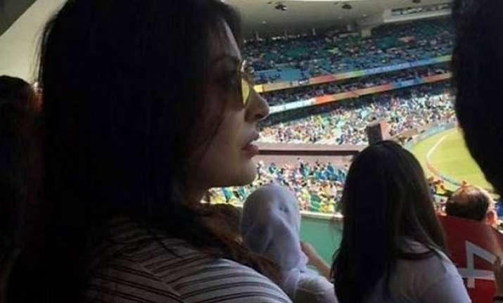 world cup 2015 anushka sharma s photo of anxiously watching