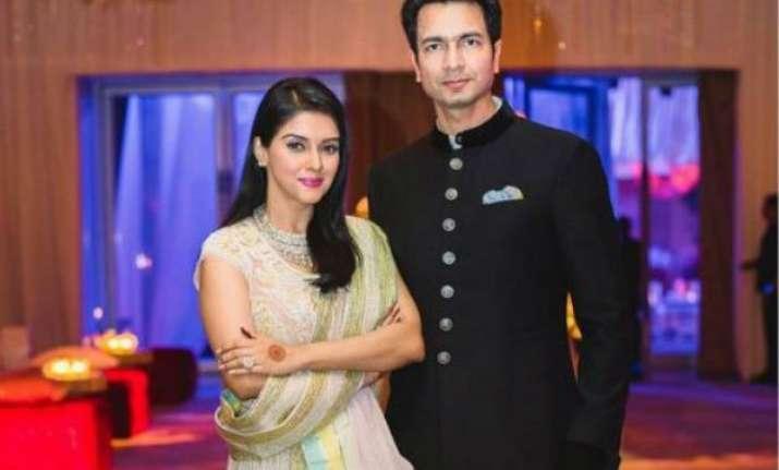 asin reveals how she met her perfect man rahul sharma