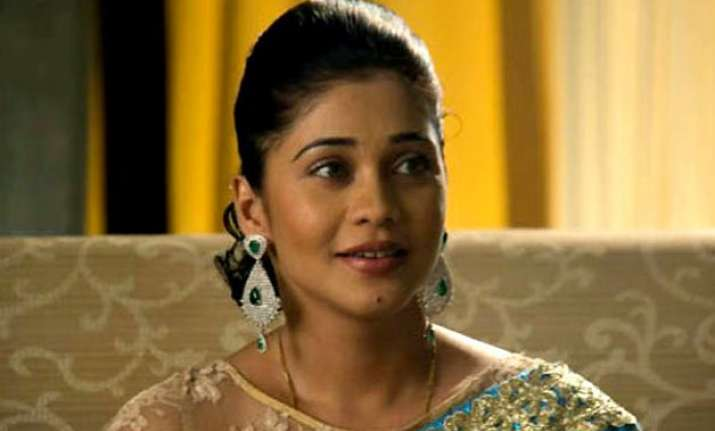 amrapali excited about new twist in qubool hai