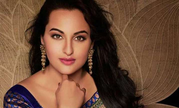 hats off sonakshi sinha apologizes on twitter for her