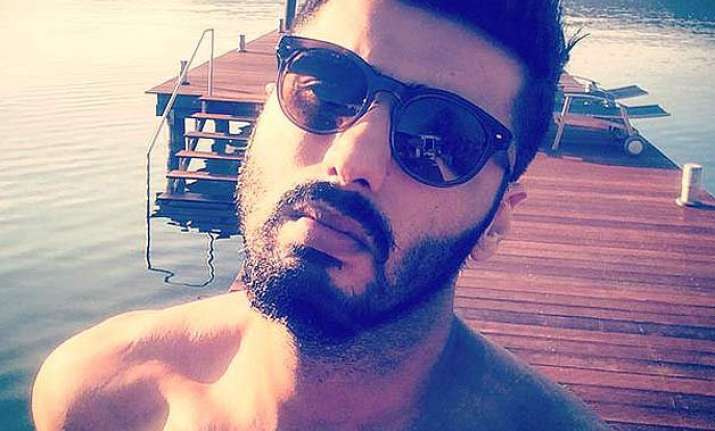 hot arjun kapoor goes topless in his latest holiday selfie