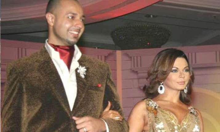 rakhi to call off her wedding with elesh