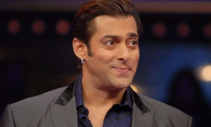 is this political leader replacing salman khan as host of