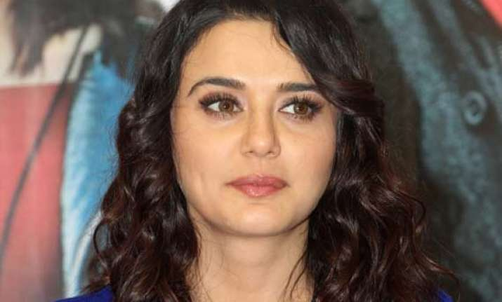 ask police says preity zinta to queries on ness wadia case