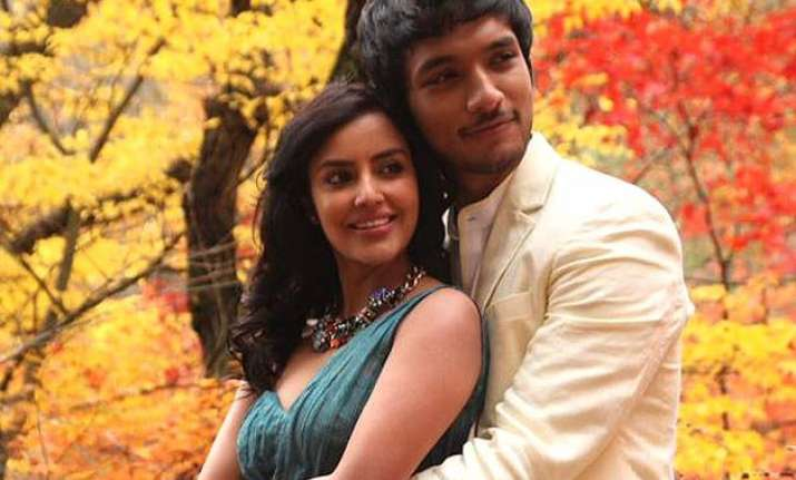 vai raja vai movie review dhanush stands as a saving grace