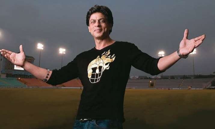wow shah rukh khan gets 17 million reasons to be happy this