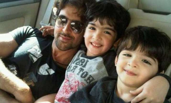 hrithik roshan takes adventurous auto ride with sons see