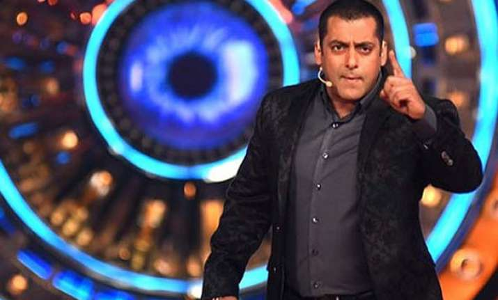 bigg boss 9 first task revealed contestants to deal with