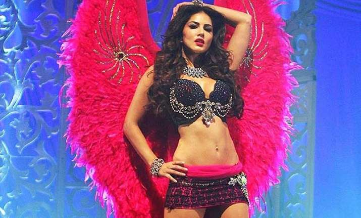 sunny leone s daring desi look is no less than her bold